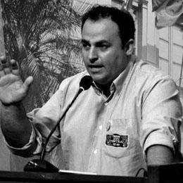Foto de PREFEITURA. Tiago Aires (PCdoB) é o décimo pré-candidato ao cargo de prefeito de Santa Maria
