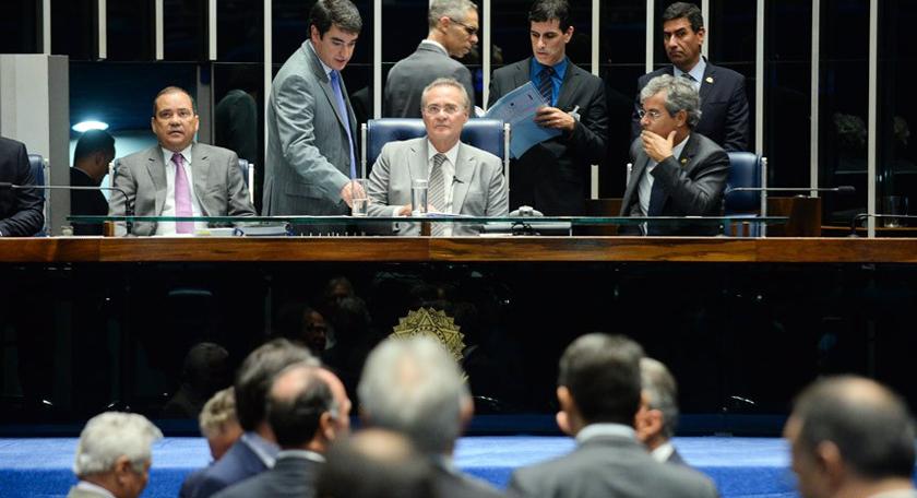 Foto de ZORRA TOTAL 2. Renan ignora ato de Maranhão e mantém o rito do impeachment de Dilma no Senado