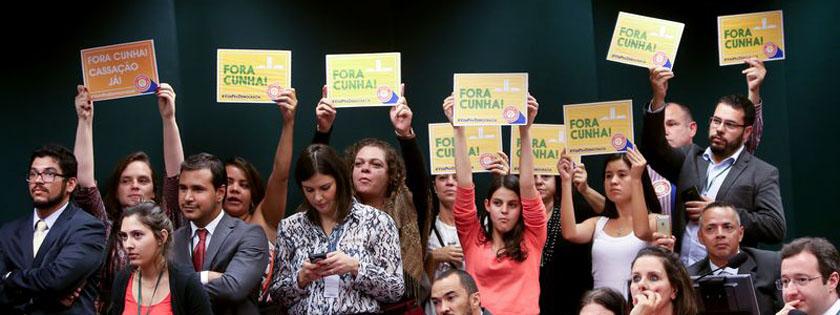 Foto de DO FEICEBUQUI. Nove (em 21) com Cunha. Festejar? Orlando e os 'comunistas' e 'fim' da Direita/Esquerda