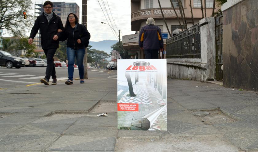 Foto de CIDADE. Fiscais da Prefeitura notificam proprietários de imóveis com calçadas (ou publicidade) irregulares