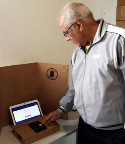 Foto de UFSM. Escolha de 135 delegados – docentes, alunos e técnicos – à Estatuinte será através de urna eletrônica