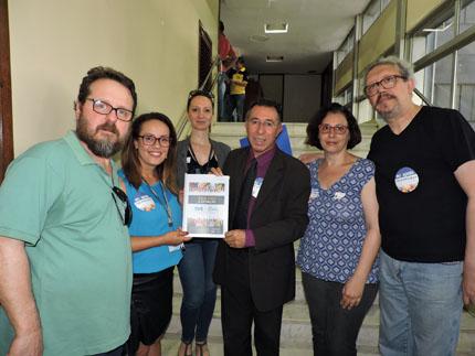 Foto de ESTADO. Valdeci e bancada petista confirmam aos servidores, que votarão contra fim da TVE/FM Cultura