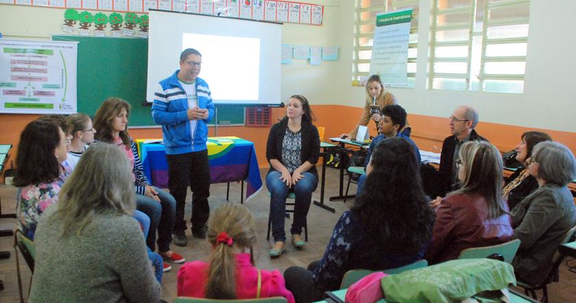 Foto de CIDADANIA. Cooperativa Escolar dá seus primeiros passos em escola municipal no distrito de Santa Flora