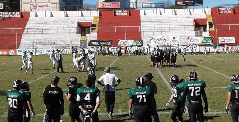 Foto de FLASH. Santa Maria Soldiers vence a terceira seguida, no brasileiro de Futebol Americano. Confira os números