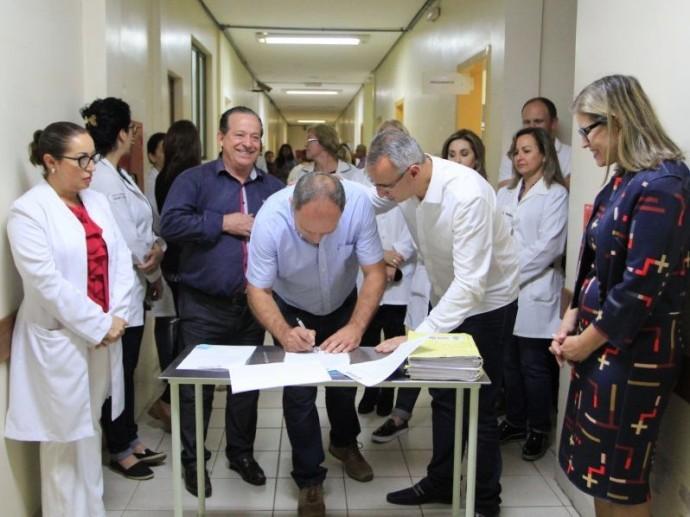 Foto de LUNETA ELETRÔNICA. Reforma do PA do Patronato, reunião em São Valentim e Ginásio Guarani Atlântico