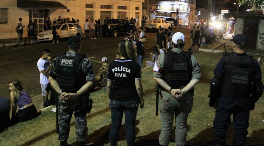 Foto de CIDADE. Última noite da 'Calourada Segura' ocorre dentro da normalidade e com público menor na sexta