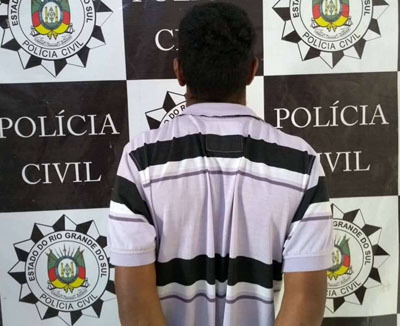 Foto de SEGURANÇA. Polícia prende suspeito de homicídio acontecido em 17 de março, na Praça Saturnino