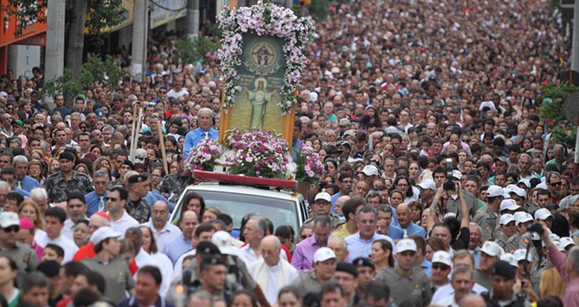 Foto de FÉ. Irmã Lourdes Dil, 75ª Romaria à Medianeira e as milhões de pessoas que, nesse tempo, vieram para cá