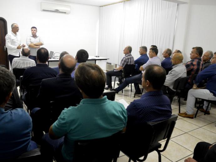 Foto de REGIÃO. Prioridades e demandas da AM-Centro e CI/Centro são discutidas na posse de presidentes