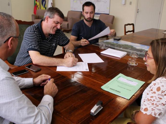 Foto de LUNETA ELETRÔNICA. Pimenta e o ministro intocável, deputados do Novo, as críticas de Bolinha, e Sinduscon