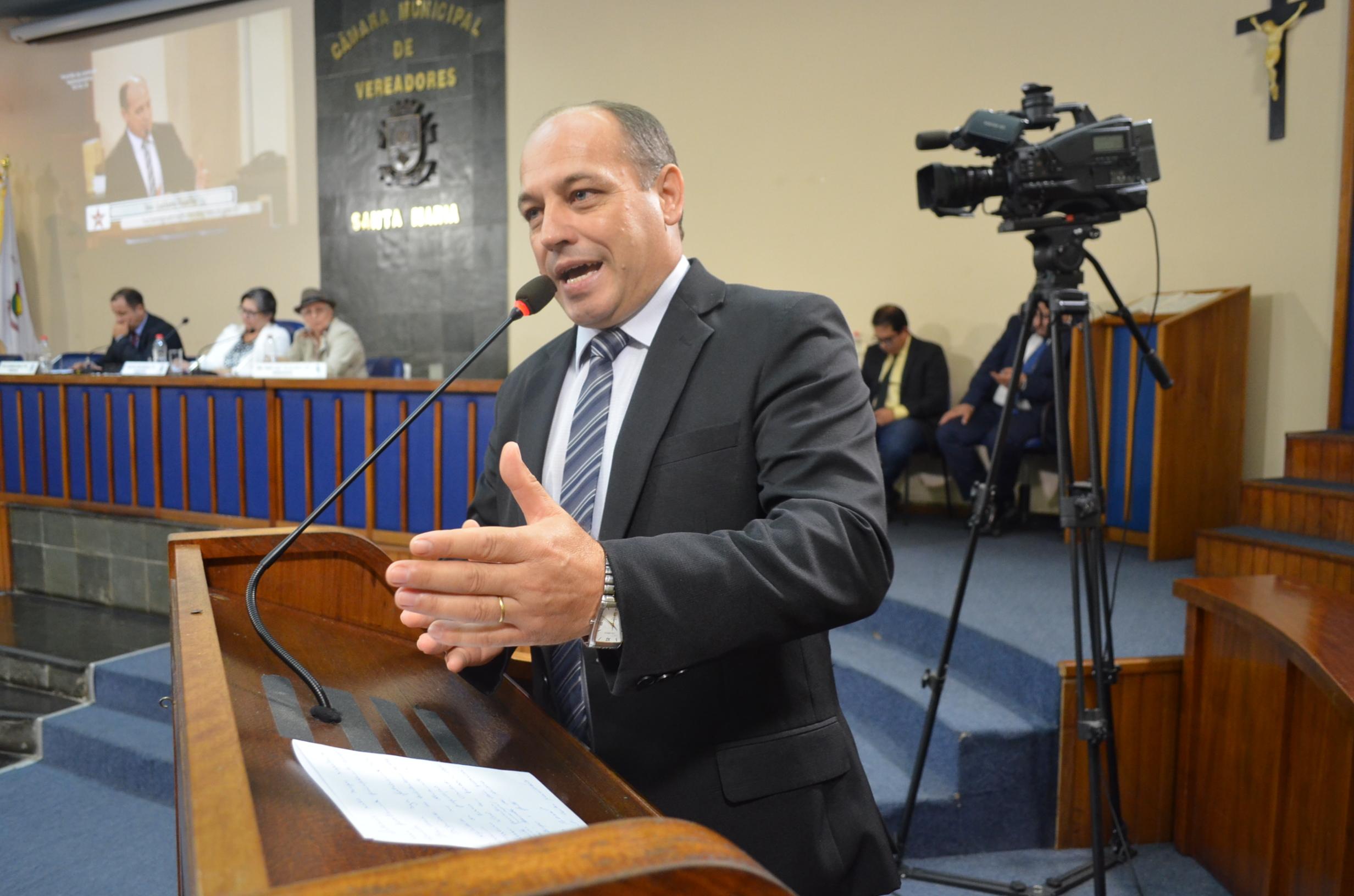 Foto de BASTIDORES. O nome da vez no PT, eleição no PP, PTB, caça aos líderes comunitários e uma nova CPI