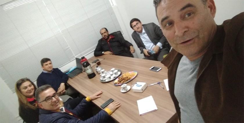 Foto de BASTIDORES. PSL e MDB, futuro de Adelar Vargas, noivado entre PT e PSD, as diárias de Admar e Araújo