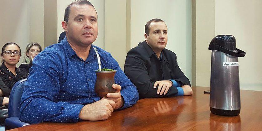 CÂMARA. Adelar Vargas e Alexandre Vargas vão a Porto Alegre. É a décima viagem conjunta neste ano