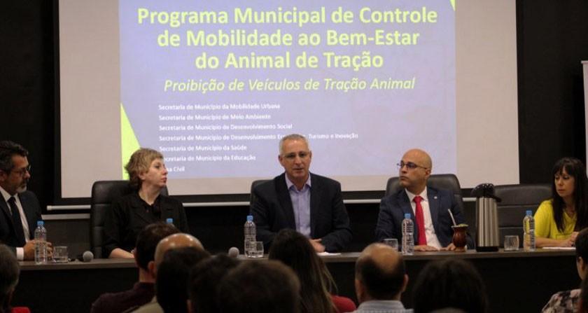 Foto de CIDADE. Prefeitura apresenta o programa municipal que visa reduzir gradativamente as carroças em SM