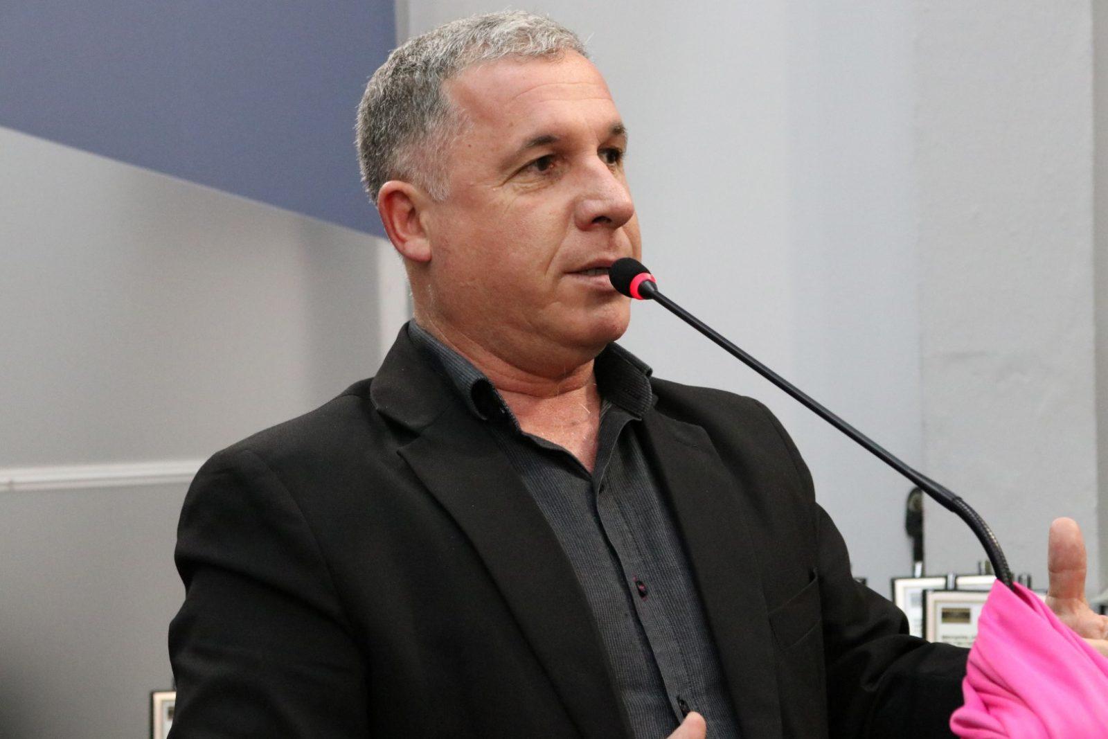 Foto de PARTIDOS. Ex-vereador Vanderlei Araujo deixa o PP. Com ele, outros quatro integrantes do Diretório