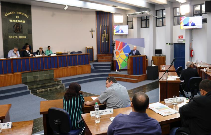 BASTIDORES. Volta às sessões, comissões, ausência confirmada, DEM, PSB e emenda de Van Hattem - Camara