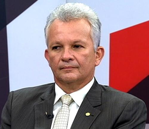 Foto de TRABALHO. Deputado propõe programa emergencial para custear a folha salarial de empresas por 4 meses