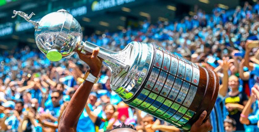 Foto de MÍDIA. SBT desbanca Globo e passa a transmitir, por TV aberta, os jogos da 'Copa Libertadores da América'