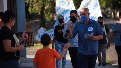 Foto de CAMPANHA. Pozzobom participa de caminhada, conversa com eleitores e reafirma compromissos