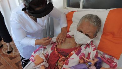 Foto de SÃO MARTINHO DA SERRA. Mulher de 113 anos é a primeira idosa a receber vacina contra covid-19